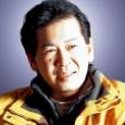 Yu Suzuki nació el 10 de mayo de 1.958, en la prefactura de Iwate, en Japón. Se licenció en Ciencias Electrónicas en la Universidad de Okayama, y en 1.983 entró […]